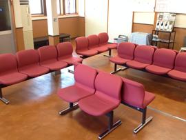 大町自動車教習所の待合室